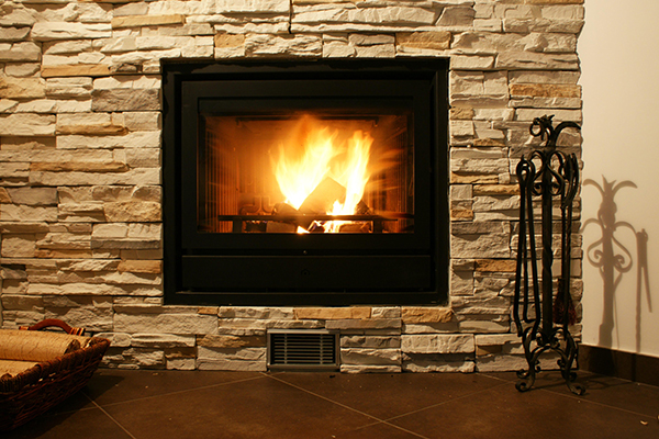 How to Choose Between Gas and Wood Burning Fireplaces