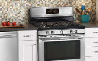 Shop Sutherlands online for your next range, cooktop or oven. We carry a selection for every budget.