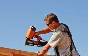Sutherlands has a selection of high quality pneumatic tools including impact drivers and pneumatic nailers