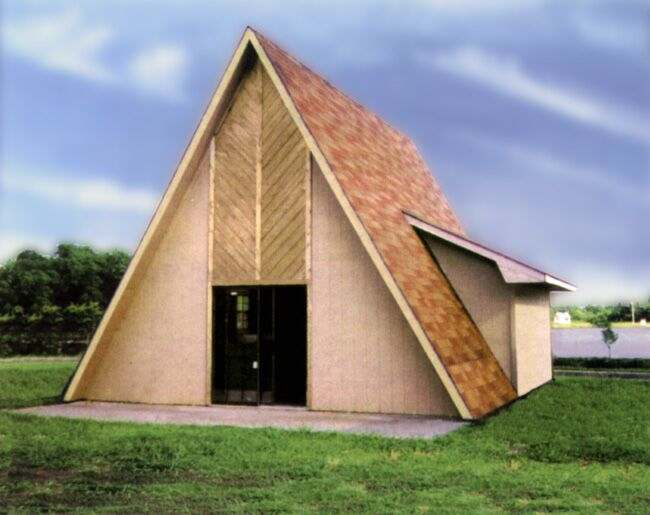For a private weekend retreat, Sutherlands has complete home packages for the Lakewood A-Frame (Western) house with 2 bedrooms and 1 bathroom.