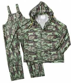 Boss Mfg Co 3PR0300CL Polyester Lined PVC Green Camo Rain Suit 35mm, 3 Piece Set Size Large