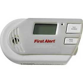 First Alert GC01CN Explosive Gas And Carbon Monoxide Combo Alarm Plug In With Battery Backup And Backlit Display