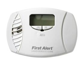 First Alert CO615 Dual Power Carbon Monoxide Plug-In Alarm With Battery Backup
