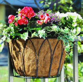 MintCraft W51984 Wire Planter With Coconut Liner