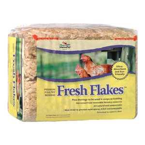 Manna Pro 0948040112 Fresh Flakes Poultry Bedding 12-Lb