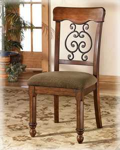 Signature Design By Ashley D429-02 Side Chair Wyatt