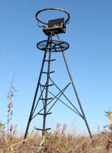 Big Game Tree Stands CR9000 The Apex 13 Ft Deluxe Tripod With Swivel Seat/Rail