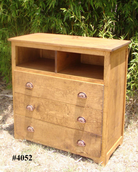 Wichita Furniture Lawton Ok: Accent 4052 Rustic Pine Media Center With 3 Drawers At